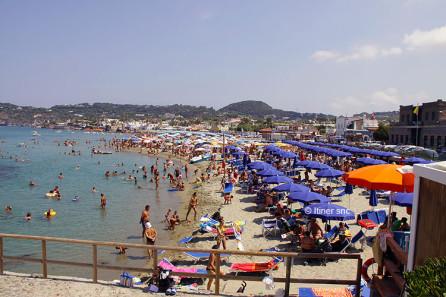 Spiaggia della Chiaia a Forio