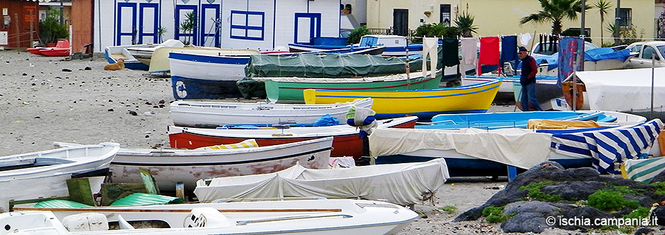 La Mandra, la Spiaggia dei Pescatori e lo spirito popolare di Ischia