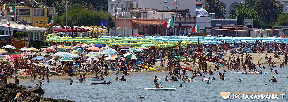 La spiaggia della Chiaia. Mare, relax e divertimento in famiglia