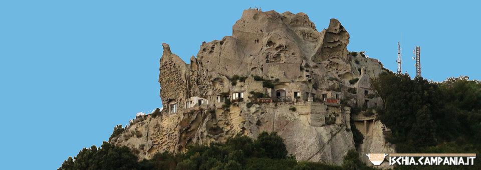 Bellezze di pietra: i paesaggi rocciosi di Ischia