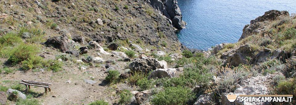 I sentieri di Panza, paradiso del trekking tra terra e mare