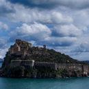 Sopra e sotto il mare. Natura e storia del Castello Aragonese